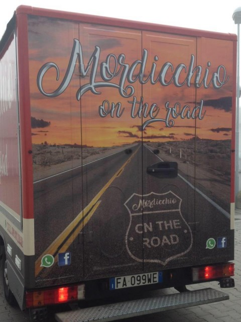 Mordicchio on the road-truck